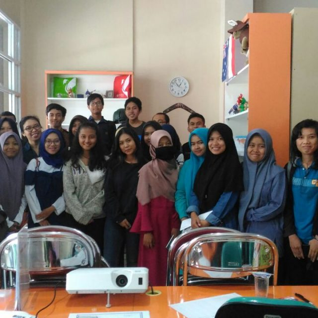 "Seminar ""How To Speak English Well"""