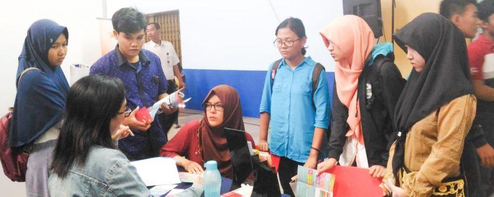SMA Negeri 1 Magelang – Education Fair