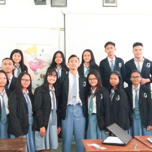 SMA Warga Surakarta