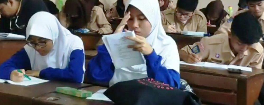SMA N 3 Yogyakarta – TOEFL Simulation Test