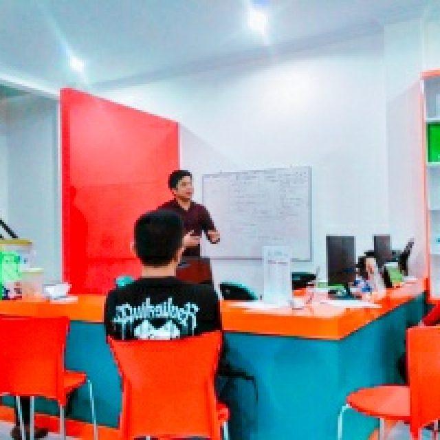 English Speaking Club Bersama LORVEN International Studies